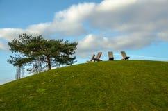 Sedie sopra la collina Immagini Stock Libere da Diritti