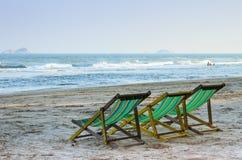 Sedie sulla spiaggia Fotografie Stock Libere da Diritti