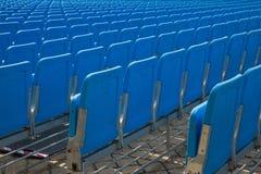 Sedie in uno stadio Immagini Stock Libere da Diritti