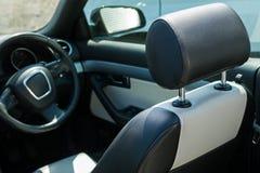 Sedile di cuoio dell'automobile Fotografie Stock Libere da Diritti