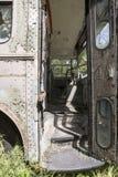 Sedile di driver in bus abbandonato parte anteriore Immagini Stock Libere da Diritti