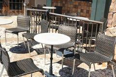 Sedili e tavola Fotografie Stock Libere da Diritti