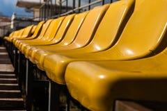 Sedili gialli immagini stock libere da diritti