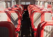 Sedili rossi del bus Fotografie Stock Libere da Diritti
