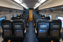 Sedili verdi del treno della pallottola di serie E6 (ad alta velocità, Shinkansen) Fotografia Stock