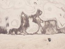 Sedimentair natuurlijk beeld in geel zand stock fotografie