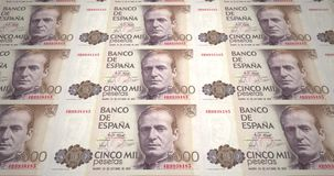 Sedlar av femtusen spanska pesetas av Spanien, kontanta pengar, ögla stock video