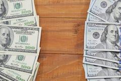 sedlar av kopior för $ 100, gammalt och nya Arkivfoton