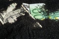 Sedlar som täckas med svart sand royaltyfria foton