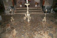 Sedlec藏有古代遗骨的洞穴是一个小天主教教堂, Kutna Hora在捷克 免版税库存图片