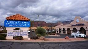 SEDONA,亚利桑那- 2014年2月04日:访客享用本机我 库存照片