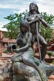 SEDONA, ARIZONA/USA - 30 ΙΟΥΛΊΟΥ: Άγαλμα εγγενών Ινδών σε Sedo Στοκ Φωτογραφία