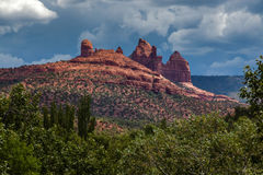 SEDONA ARIZONA/USA - JULI 30: Berg på Sedona Arizona på J Royaltyfri Fotografi