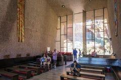 Sedona, AZ, ΗΠΑ στις 5 Ιουλίου 2016  Εσωτερικό του παρεκκλησιού του ιερού σταυρού Στοκ Φωτογραφία
