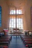 Sedona AZ, USA 5 Juli, 2016; Inre av kapellet av det heliga korset Arkivfoton