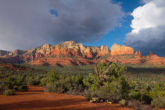 Sedona sceniska Arizona förbiser Arkivfoton