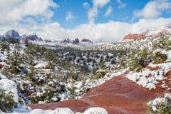 Sedona snö täckt landskap Royaltyfri Foto