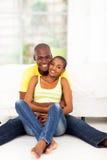 Seduta africana delle coppie Immagine Stock Libera da Diritti