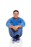 Seduta indiana dell'uomo Fotografie Stock Libere da Diritti
