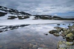 See auf dem Aurlandsfjellet Lizenzfreie Stockfotos