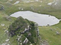 See auf dem Berg Stockfoto