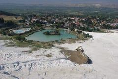 See auf dem Hintergrund von Pammukale Stockbilder