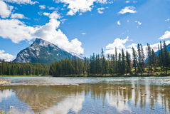 See in Banff lizenzfreie stockfotos