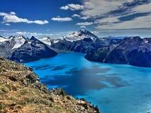 See, Berge, Wolken und Reflexion Lizenzfreies Stockbild