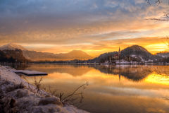 See blutete im Winter, Slowenien, Europa Lizenzfreie Stockfotos