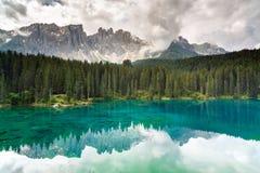 See Carezza, Dolomit, Italien stockfotos