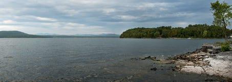 See Champlain, östliches Ufer Stockbilder