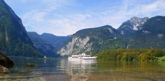 See in den Alpen lizenzfreies stockbild