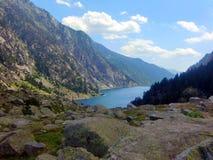 See in den Bergen von Besiberri-Gebirgsmassiv Lizenzfreie Stockfotografie