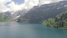 See in den Schweizer Bergen stock video
