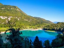 See des Tenno-Italieners: Lago di Tenno in Trentino, Italien lizenzfreie stockfotos