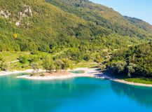 See des Tenno-Italieners: Lago di Tenno in Trentino, Italien stockbilder