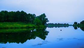 See in einem schönen ruhigen Platz Abenderz Lizenzfreies Stockfoto