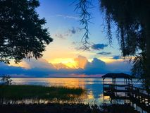 See Eustis, Florida bei Sonnenuntergang Lizenzfreie Stockfotos