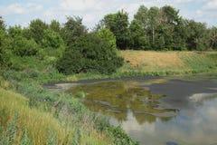 See für trocknendes Abwasser Schmutziges Abwasser in der Kläranlage Der Abfluss in der Industrie Lizenzfreies Stockbild