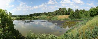 See für trocknendes Abwasser Schmutziges Abwasser in der Kläranlage Der Abfluss in der Industrie Stockbild