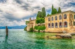 See Garda bei Punta San Vigilio, Stadt von Garda, Italien Lizenzfreies Stockbild