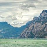See Garda ist der größte See in Italien Lizenzfreies Stockbild