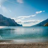 See Garda ist der größte See in Italien Stockbild