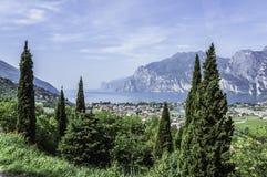 See Garda panoramische Ansicht Stockbild