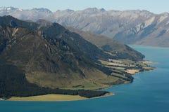 See Hawea-Küstenlinie, Neuseeland Lizenzfreies Stockbild