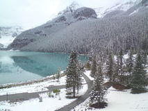 See Louise Banff National Park in kanadischen Rocky Mountains Lizenzfreie Stockbilder