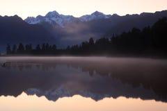 See Matheson-Sonnenaufgang, Neuseeland Stockfotografie