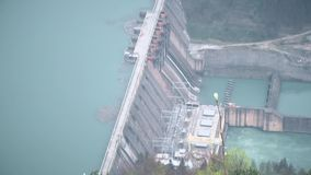 See mit elektrischer Verdammung Geschossen von den Höhen stock video footage