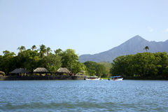 See Nicaragua auf einem Hintergrund ein aktiver Vulkan Concepción Stockbild