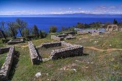 See Ohrid-Ansicht von St. Panteleimon Church, Ohrid Lizenzfreie Stockbilder